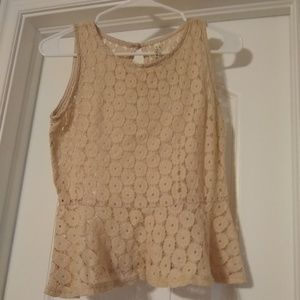 B Jewel Blush/Tan Peplum Lacy Top, Size Small